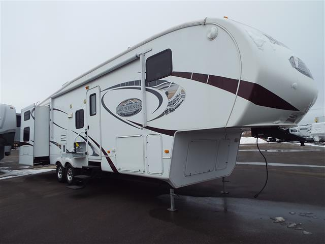 Used 2010 Keystone Mountaineer 345DBQ Fifth Wheel For Sale
