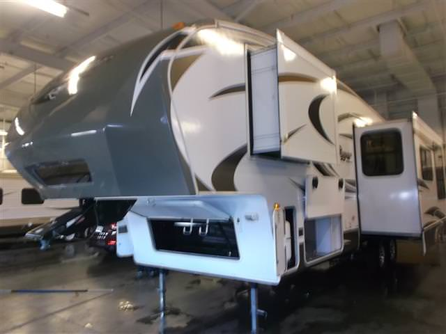 Used 2013 Keystone Cougar 293SAB Fifth Wheel For Sale