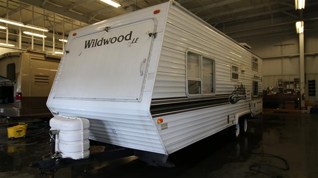 Used 2003 Forest River Wildwood 25EX Travel Trailer For Sale