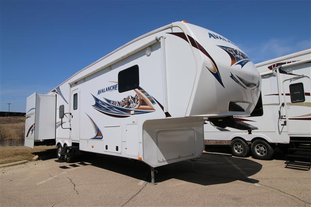 Used 2013 Keystone Avalanche 345TG Fifth Wheel For Sale