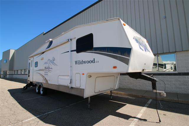 Used 2006 Forest River Wildwood 286RLSS Fifth Wheel For Sale