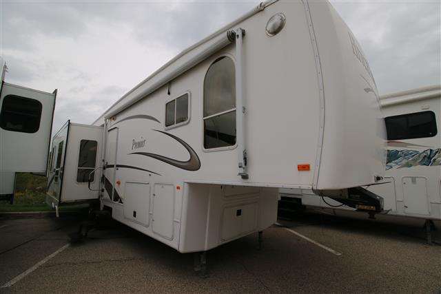 Used 2006 NuWa Hitchhiker PREM35LKRSB Fifth Wheel For Sale