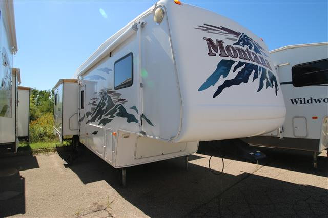 Used 2004 Keystone Montana 3295RK Fifth Wheel For Sale