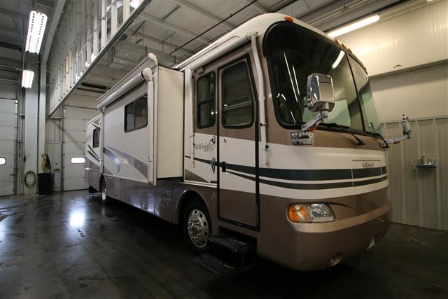 Used 2004 Monaco Knight 36PP Class A - Diesel For Sale