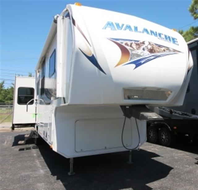 Used 2011 Keystone Avalanche 3300RE Fifth Wheel For Sale