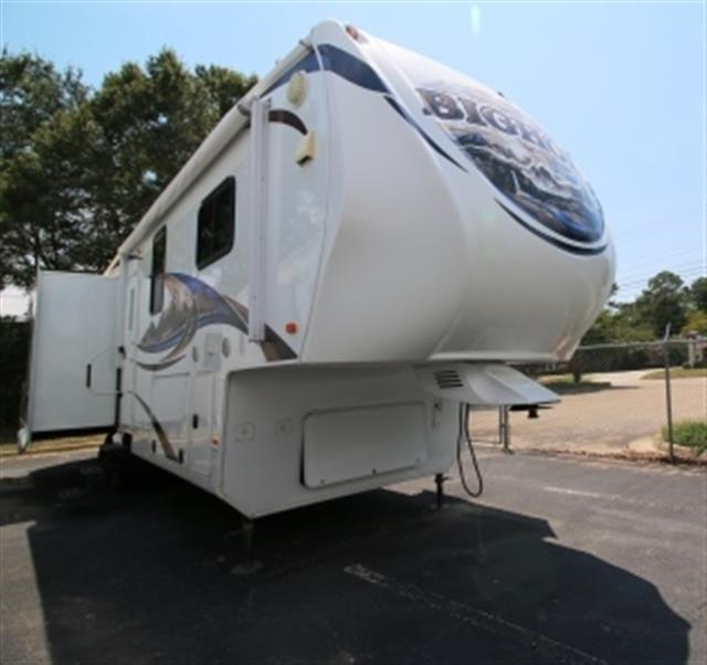 Used 2011 Heartland Bighorn 3070RL Fifth Wheel For Sale