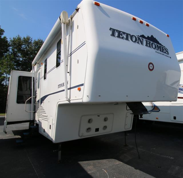 Used 2001 Teton SHERIDAN SHERIDAN 33 Fifth Wheel For Sale