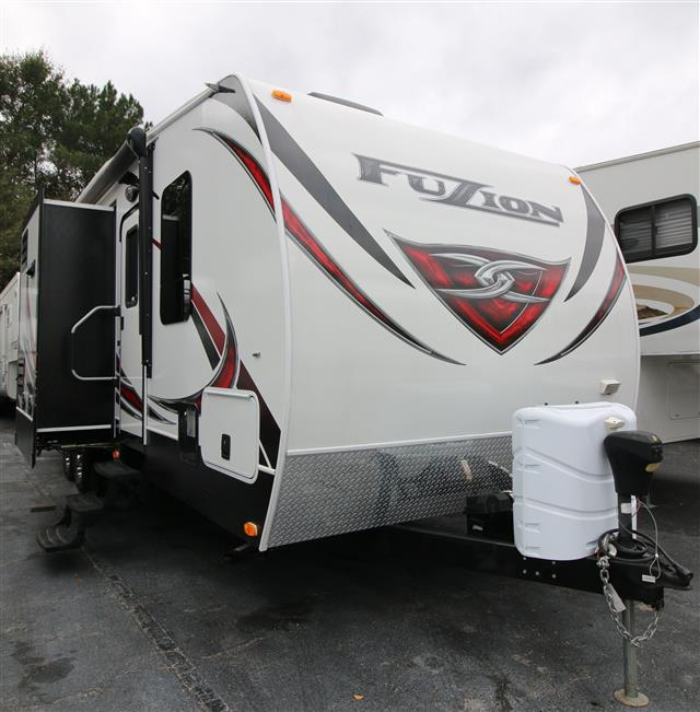 Used 2013 Keystone Fuzion 301 Travel Trailer For Sale