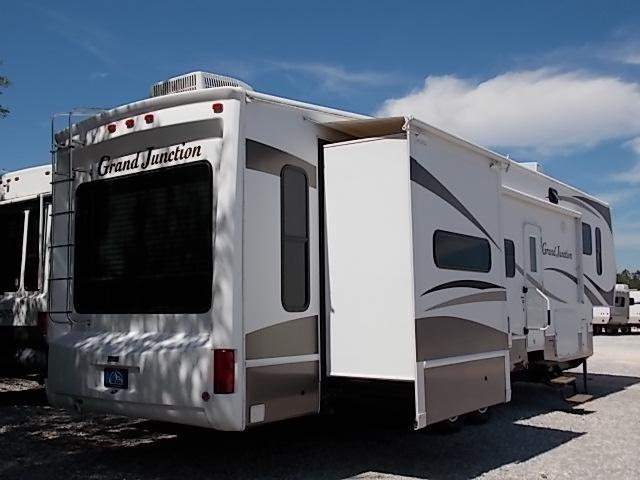 Used 2008 Dutchmen Grand Junction Fifth Wheel For Sale In
