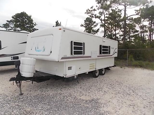 Used 2001 Hi Lo Classic M-220L Travel Trailer For Sale