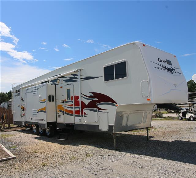 Used 2007 Fleetwood GearBox 39SF Fifth Wheel For Sale