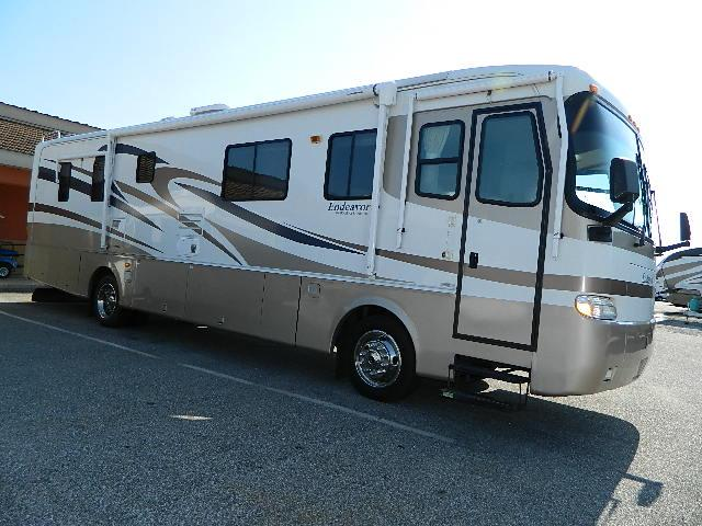 Buy a Used Holiday Rambler Endeavor in Robertsdale, AL.