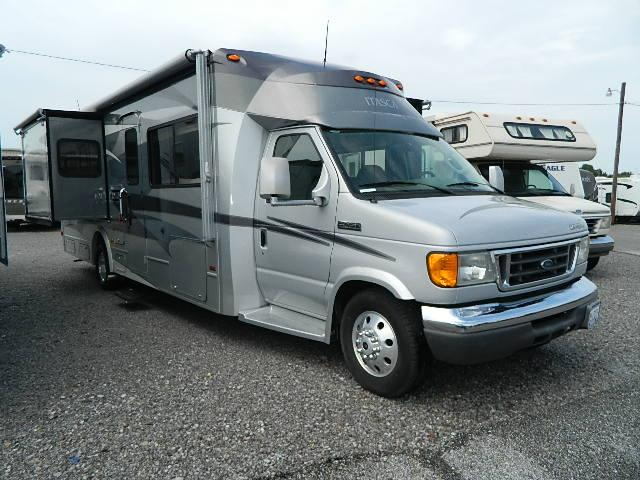 Buy a Used Itasca Cambria in Robertsdale, AL.