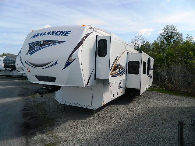 Used 2013 Keystone Avalanche 341TG Fifth Wheel For Sale