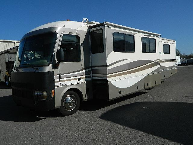 Used 1999 Fleetwood Pace Arrow VISION Class A - Gas For Sale