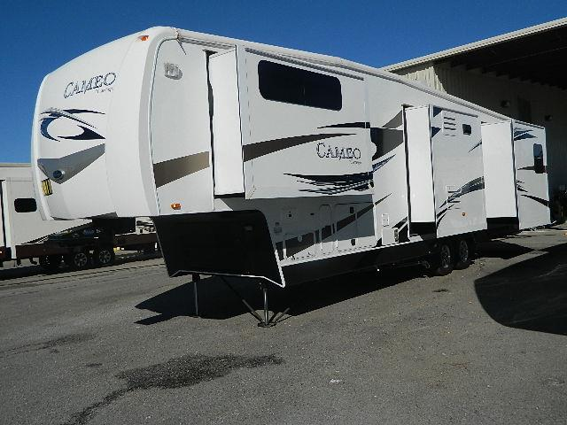 Used 2012 Carriage Cameo F37RSQ Fifth Wheel For Sale