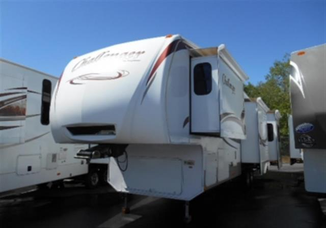 Used 2010 Keystone Challenger 34SAQ Fifth Wheel For Sale
