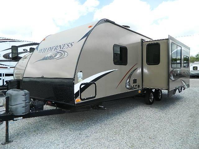 Used 2014 Heartland Wilderness 2750RL Travel Trailer For Sale
