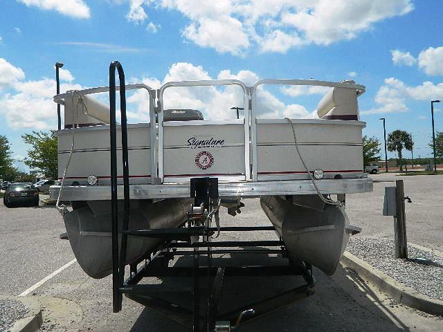 Used 2005 SUNTRACKER Signature 18 Other For Sale