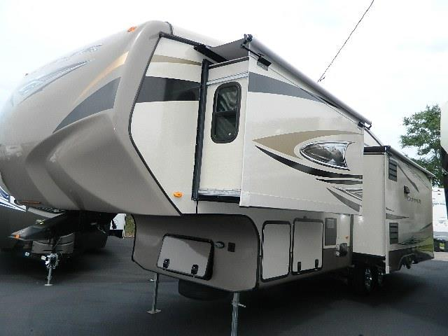 Used 2012 Crossroads Cruiser 330SS Fifth Wheel For Sale