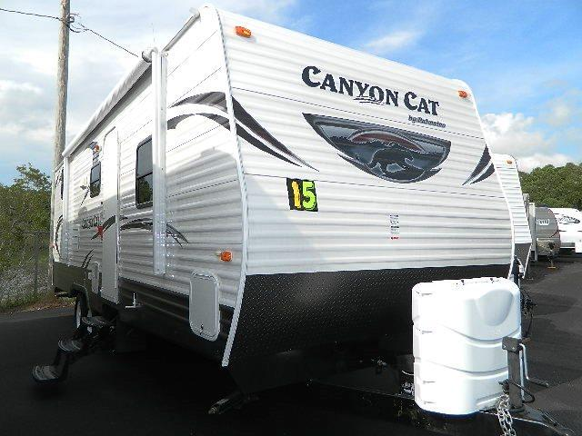 Used 2015 Palomino CANYON CAT 26FBSC Travel Trailer For Sale