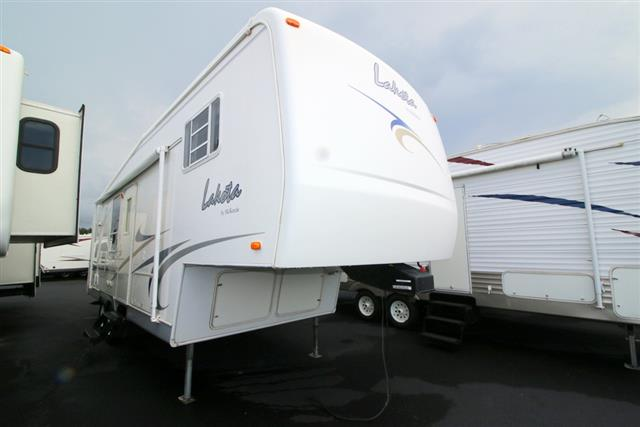 Used 2001 Mckenzie Towables Lakota 26RKS Fifth Wheel For Sale