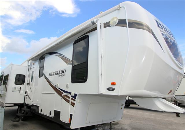 Used 2013 Heartland Bighorn 33RK Fifth Wheel For Sale