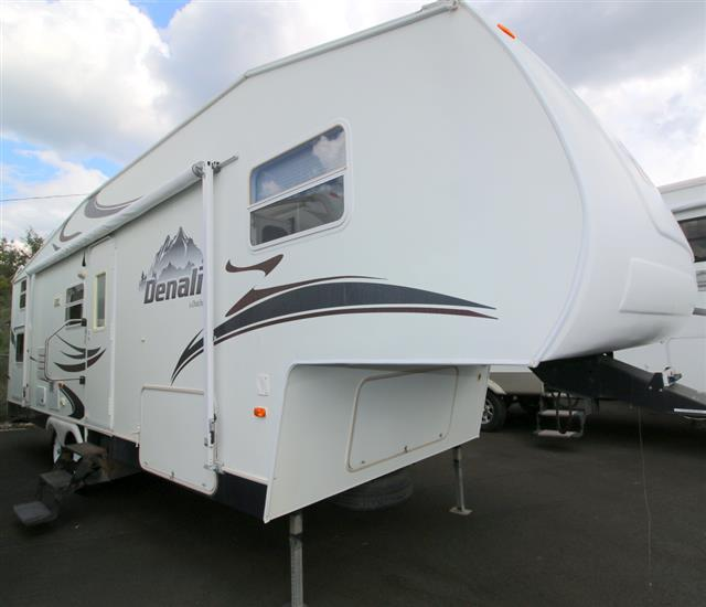Used 2005 Dutchmen Denali 28BH Fifth Wheel For Sale