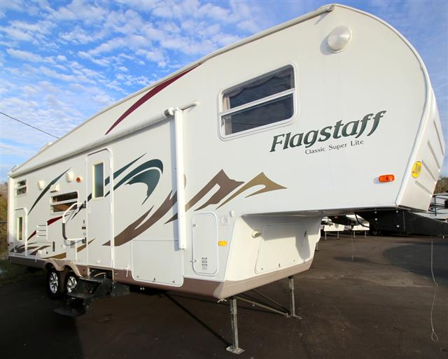 Used 2009 Forest River Flagstaff 328.5BH Fifth Wheel For Sale