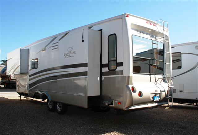 Midway Fl Used Fifth Wheel 2009 Heartland Landmark For Sale In Midway Fl