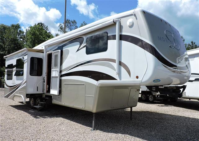 2010 Double Tree RV Mobile Suites