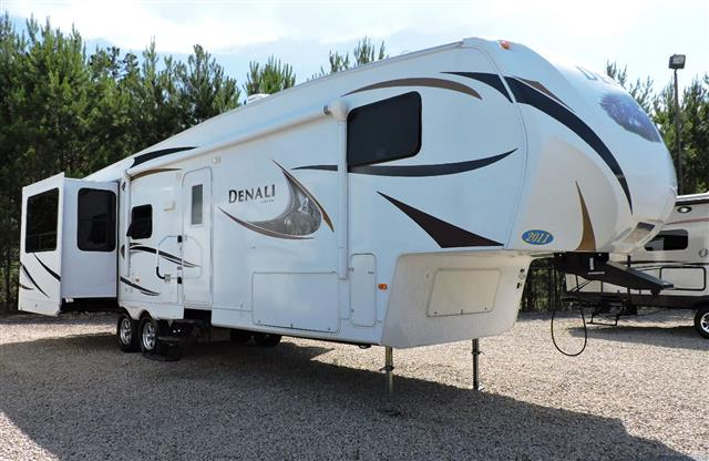 Used 2011 Dutchmen Denali 310RES Fifth Wheel For Sale