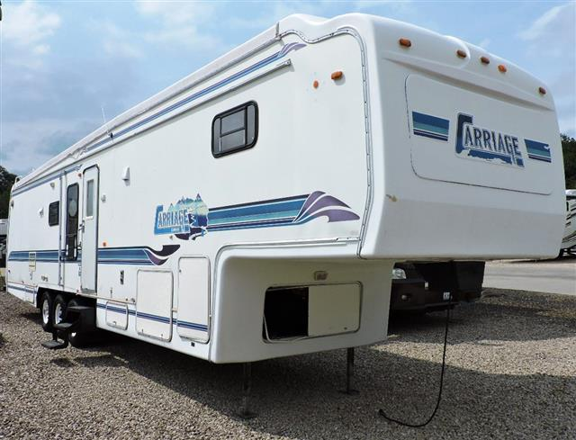 Used 1996 Carriage Commander PULLMAN-4098 Fifth Wheel For Sale