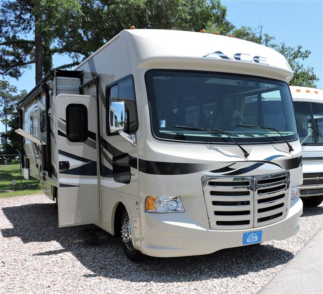 Used 2015 THOR MOTOR COACH ACE 27.1 Class A - Gas For Sale