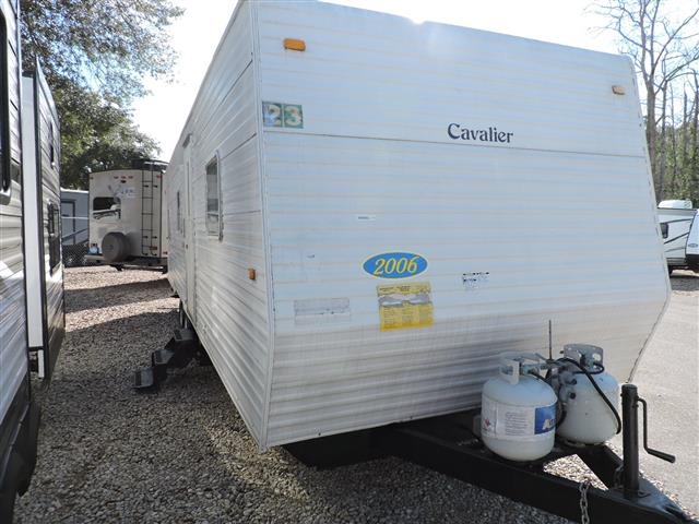 Used 2006 Coachmen Cavalier 32BHS Travel Trailer For Sale