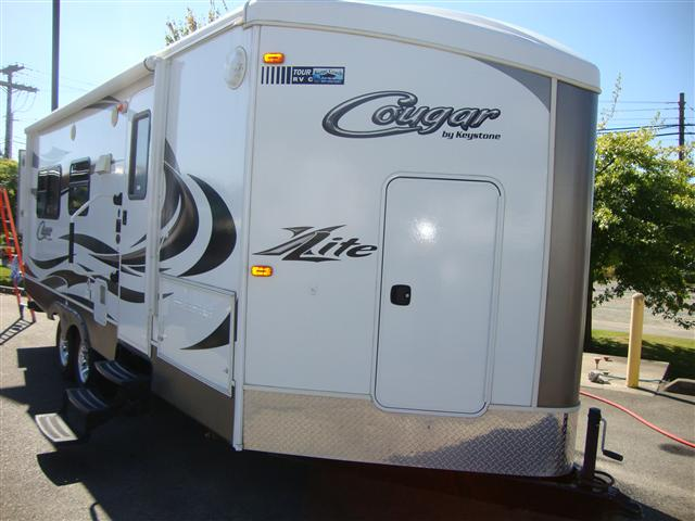 Buy a Used Keystone Cougar in Burlington, WA.