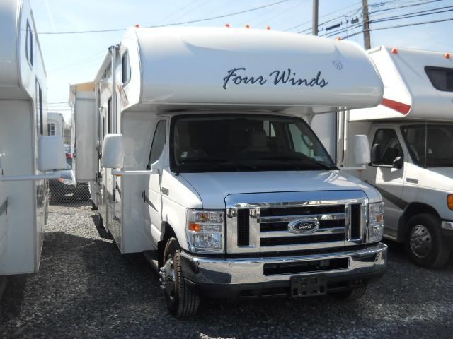 Buy a Used THOR MOTOR COACH Four Winds in Harrisburg, PA.