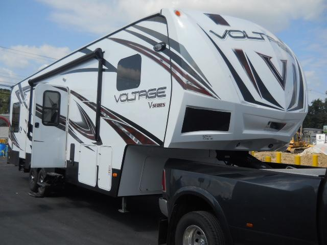 2015 Fifth Wheel Toy Hauler Dutchmen VOLTAGE V-SERIES