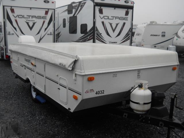 Used 2010 Forest River Flagstaff 246D Pop Up For Sale