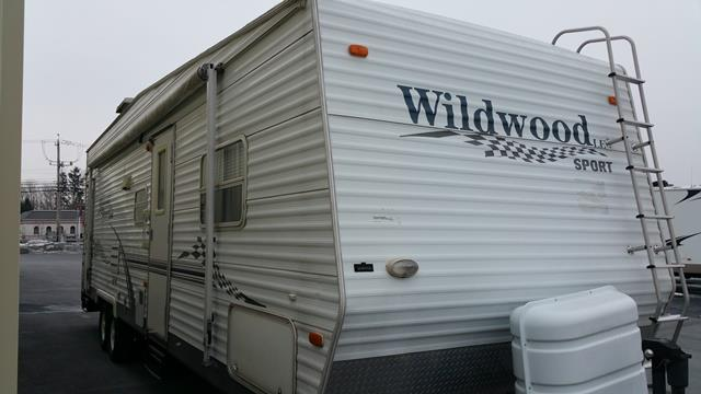 Used 2006 Forest River Wildwood 29FBSRV Travel Trailer Toyhauler For Sale
