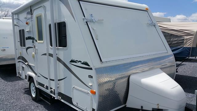 Used 2009 Palomino Stampede S-17 Hybrid Travel Trailer For Sale