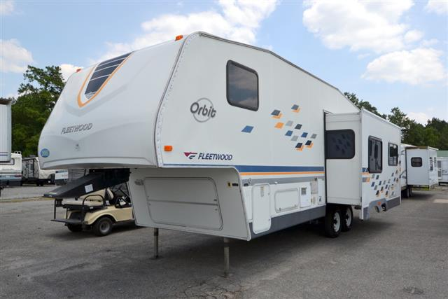 Used 2005 Fleetwood Orbit 27RLS Travel Trailer For Sale