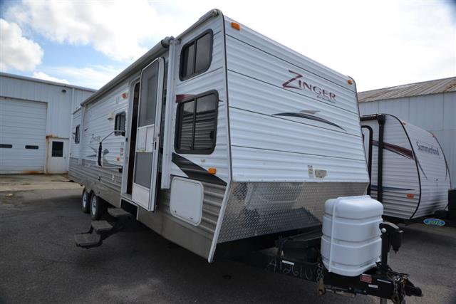 Used 2011 Crossroads Zinger 29DB Travel Trailer For Sale