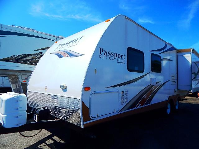 Used 2013 Keystone PASSPORT ULTRA 252BH Travel Trailer For Sale