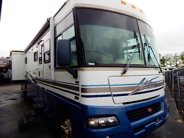 2003 Winnebago Adventurer
