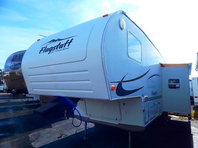 Used 2005 Forest River Flagstaff 8528RKS Fifth Wheel For Sale