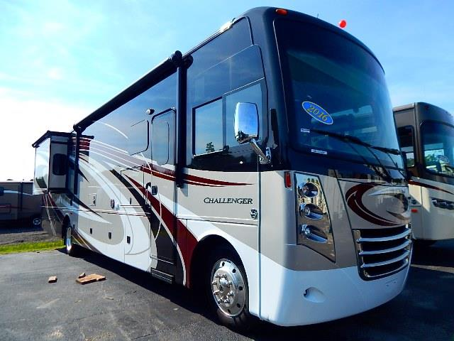 2016 THOR MOTOR COACH Challenger