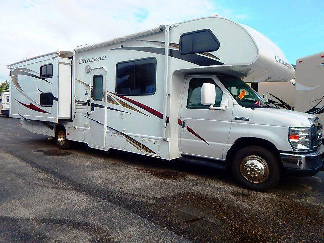 Used 2012 THOR MOTOR COACH Chateau 31A Class C For Sale