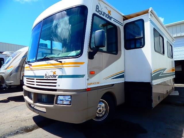 Used 2003 Fleetwood Bounder 32W Class A - Gas For Sale