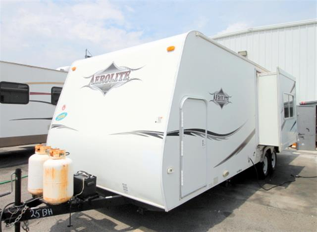 Used 2006 Thor Aerolite 25QS Travel Trailer For Sale